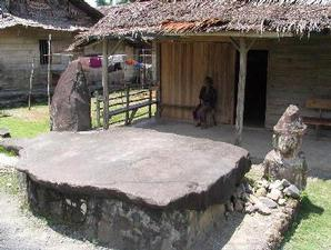 Arca Sedang Shalat